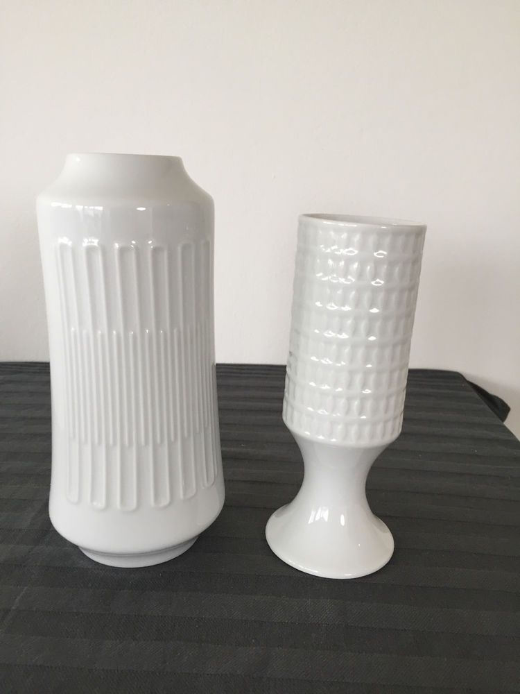 2 hutschenreuther porzellan vasen bisquit wei german vintage vases pottery. Black Bedroom Furniture Sets. Home Design Ideas