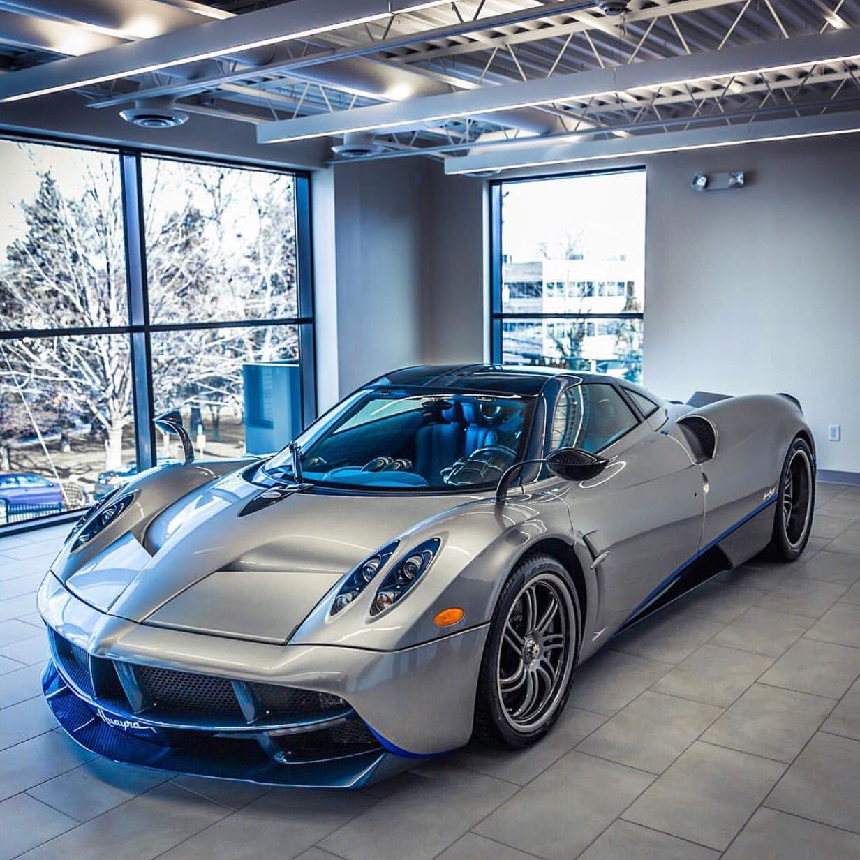 Pagani Huayra Painted In Silver W/ Exposed Blue Carbon Fiber And Blue  Accents Photo Taken