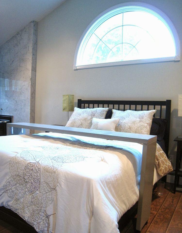 einfache bettbr cke selber bauen leichte anleitung diy tisch betttisch und bett. Black Bedroom Furniture Sets. Home Design Ideas