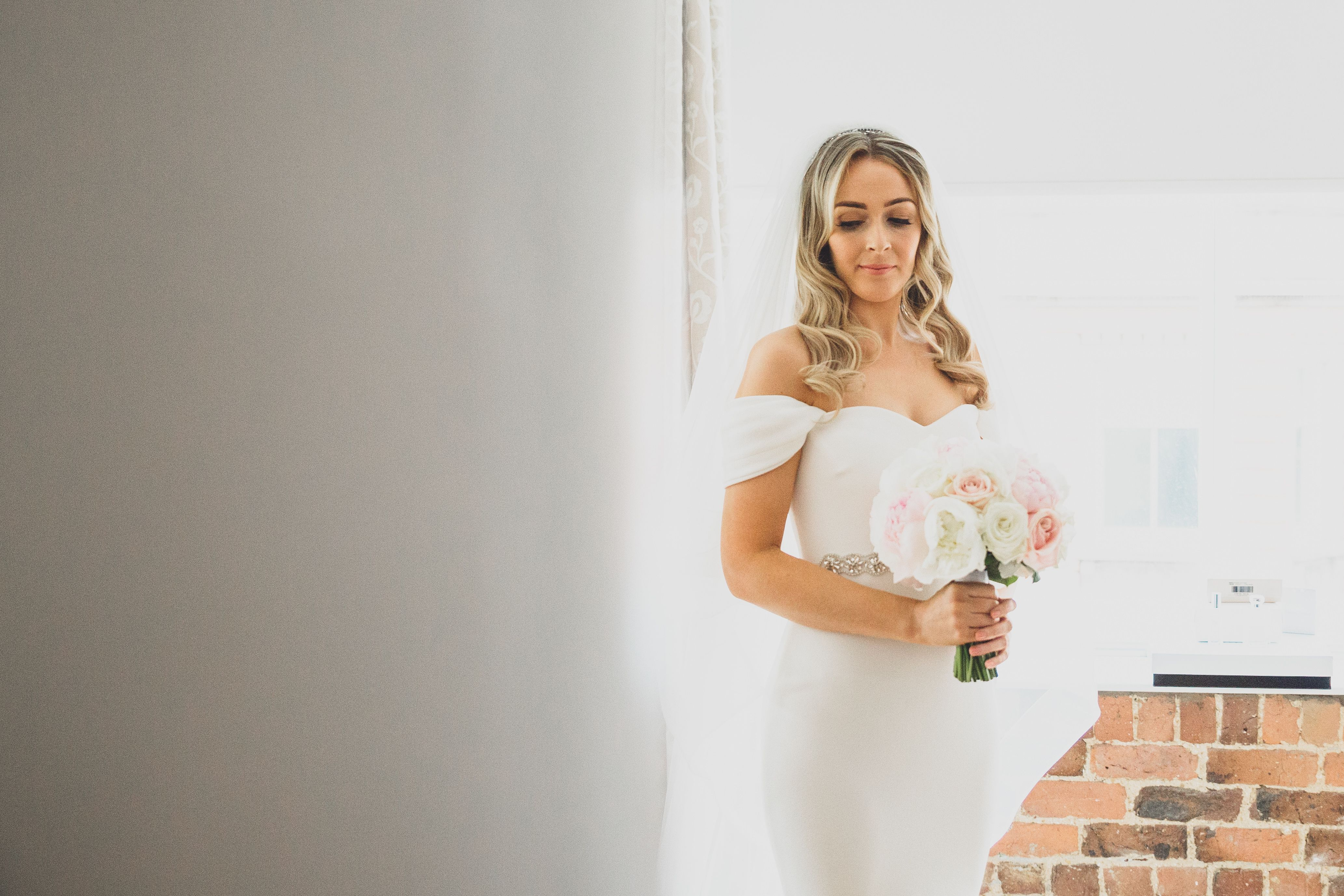 bride getting ready at hope street hotel in liverpool