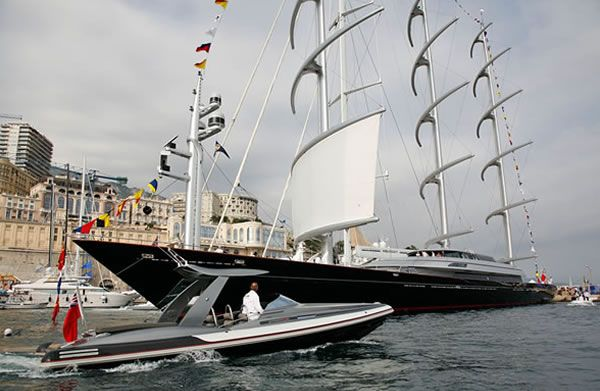The Maltese Falcon A Top End Sailing Yacht At 289 Feet It Is One Of The Biggest In The World Available For Charter We Saw Boats Luxury Sailing Yacht Boat