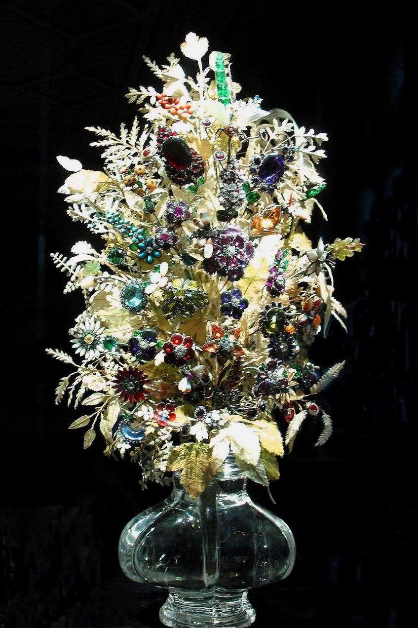 Flowers  made of Gemstones.