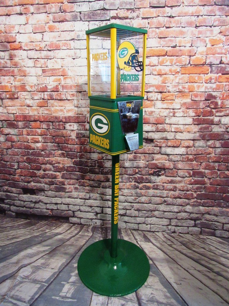 Vintage Oak 25 ¢ Gumball Machine, completely restored and