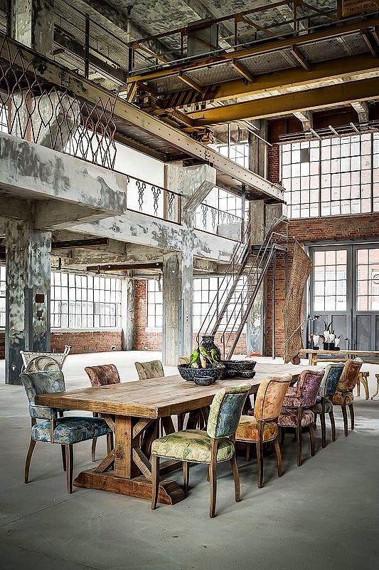 Buz Gibi Eski Fabrika Binalarından Sımsıcak Yuvalar Yaratmayı Başarmış 35 İnsan #vintageindustrialfurniture
