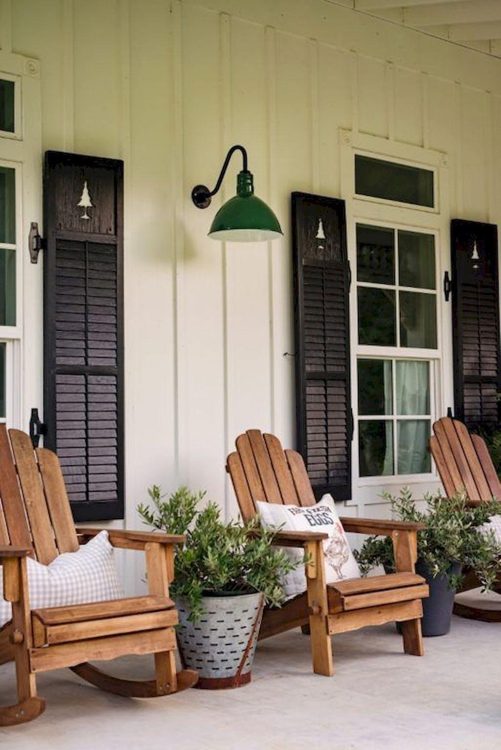 54 Best Farmhouse Front Porch Decorating Ideas For 2019 House With Porch Farmhouse Front Porches Front Porch Decorating