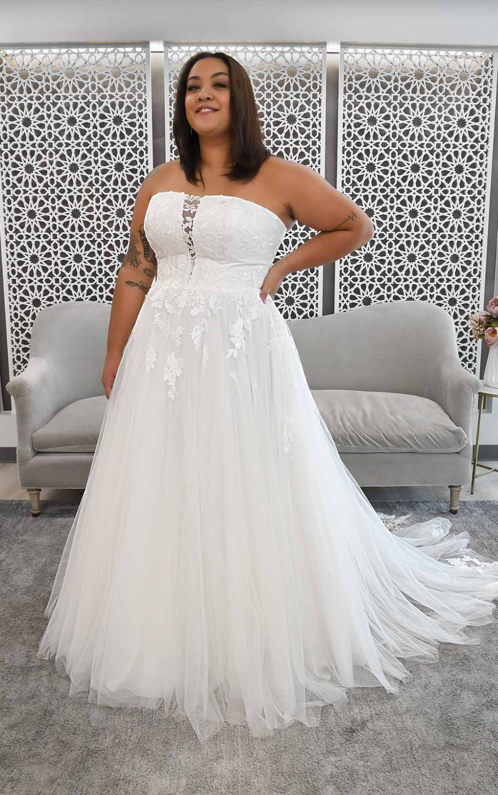 Strapless A Line Plus Size Wedding Dress With Illusion Plunge Stella York Wedding Dresses In 2021 Stella York Wedding Dress York Wedding Dress Wedding Dresses [ 1595 x 1000 Pixel ]