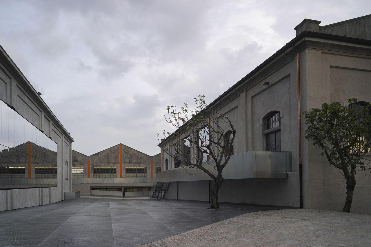 4f5bb4aa2 Fondazione Prada a Milano | OMA + Koolhaas | Prada, Rem koolhaas ...