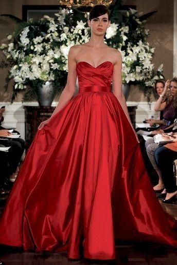 27f69ce6d931 Vestito da sposa rosso lucido