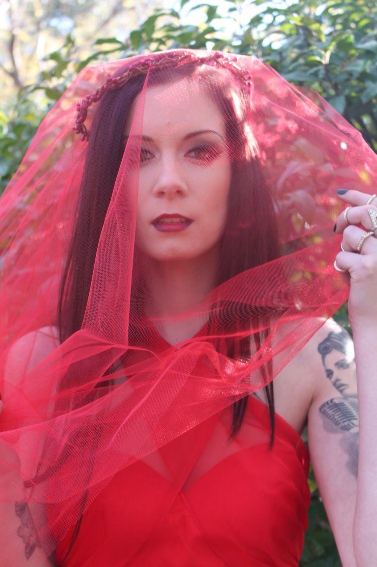 Red bride flowerkin.com