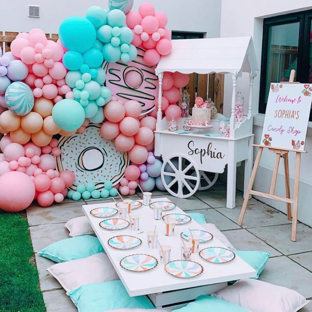 "THE EVENT COLLECTIVE ✖️ on Instagram: ""Candy land by @blossomandsparkle.events 🍭 🍬 #theventcollectivex . . . . #babyshower #genderrevealparty #birthdayparty #genderrevealballoon…"""