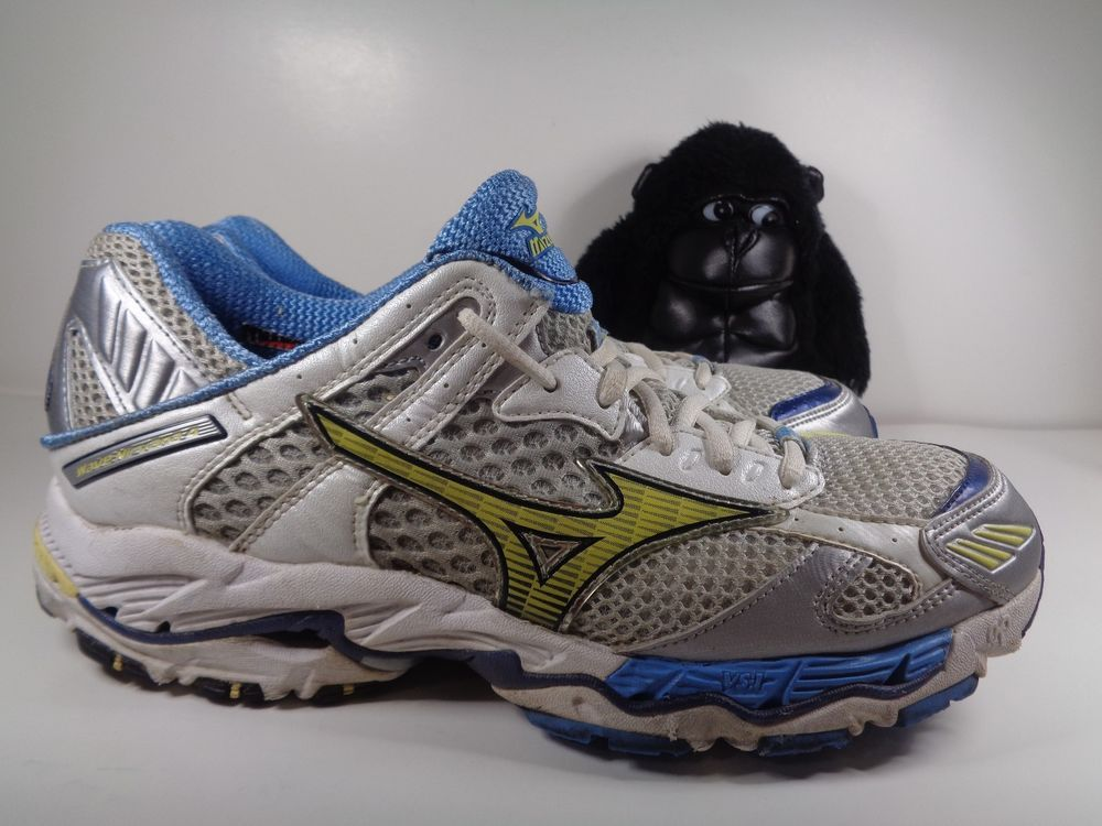 d8536b0d4cf6a Womens Mizuno Wave Nirvana 4 Running Cross Training shoes size 10 US ...