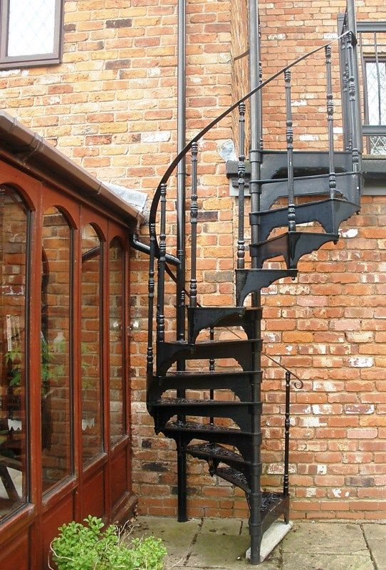 Cast Metal Spiral Staircase With Balcony Railings 6104 Spiral | Wrought Iron Spiral Staircase For Sale | Architectural Antiques | Stair Parts | Iron Balusters | Alibaba | Black Cast