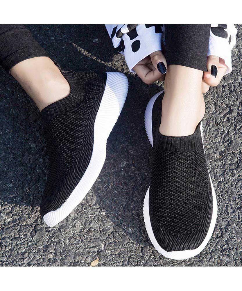 Black casual flyknit plain slip on shoe