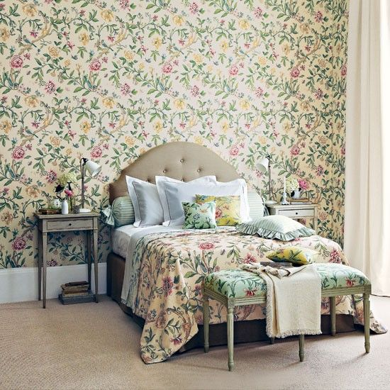 floral pattern bedroom housetohomecouk - Floral Wallpaper Bedroom Ideas