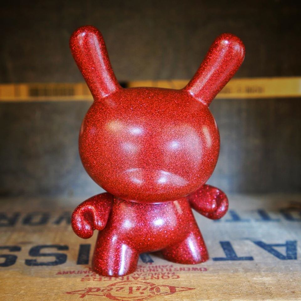 Red, sparkly and full of holiday cheer! Red Chroma Dunny now available at http://www.myplasticheart.com/pc/DUNNY5CHROMARED/0020VF/Dunny+5+inch+:+Red+Chroma #dunny #red #sparkle #Kidrobot  #poppingupdoc #popsurrealism #pop #popart #art #artwork #contemporaryart #toptoyphotos #toyplanet #toyrevolution #toyark #toyunion #toygroup #toyplanet #designertoys #kidrobot #sculpture #poppingupdoc #popsurrealism #pop #popart #streetart #Graffiti #artederua #graffiti #art #artwork #contemporaryart…
