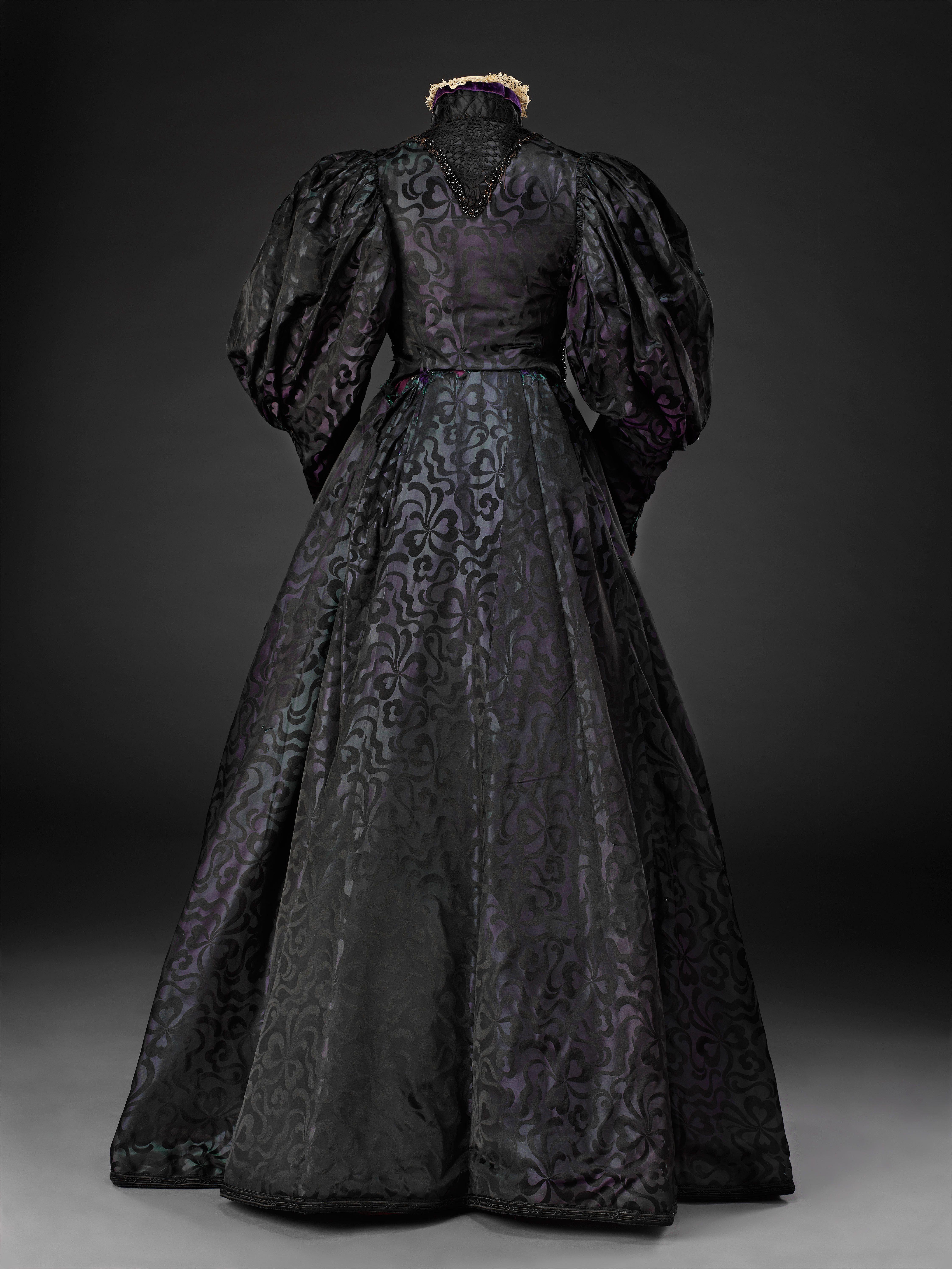 1800s Dress Shapes