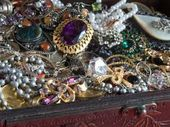Photo of Websites That Identify Vintage Costume Jewelry From Makers' Marks or Stamps – Mi…