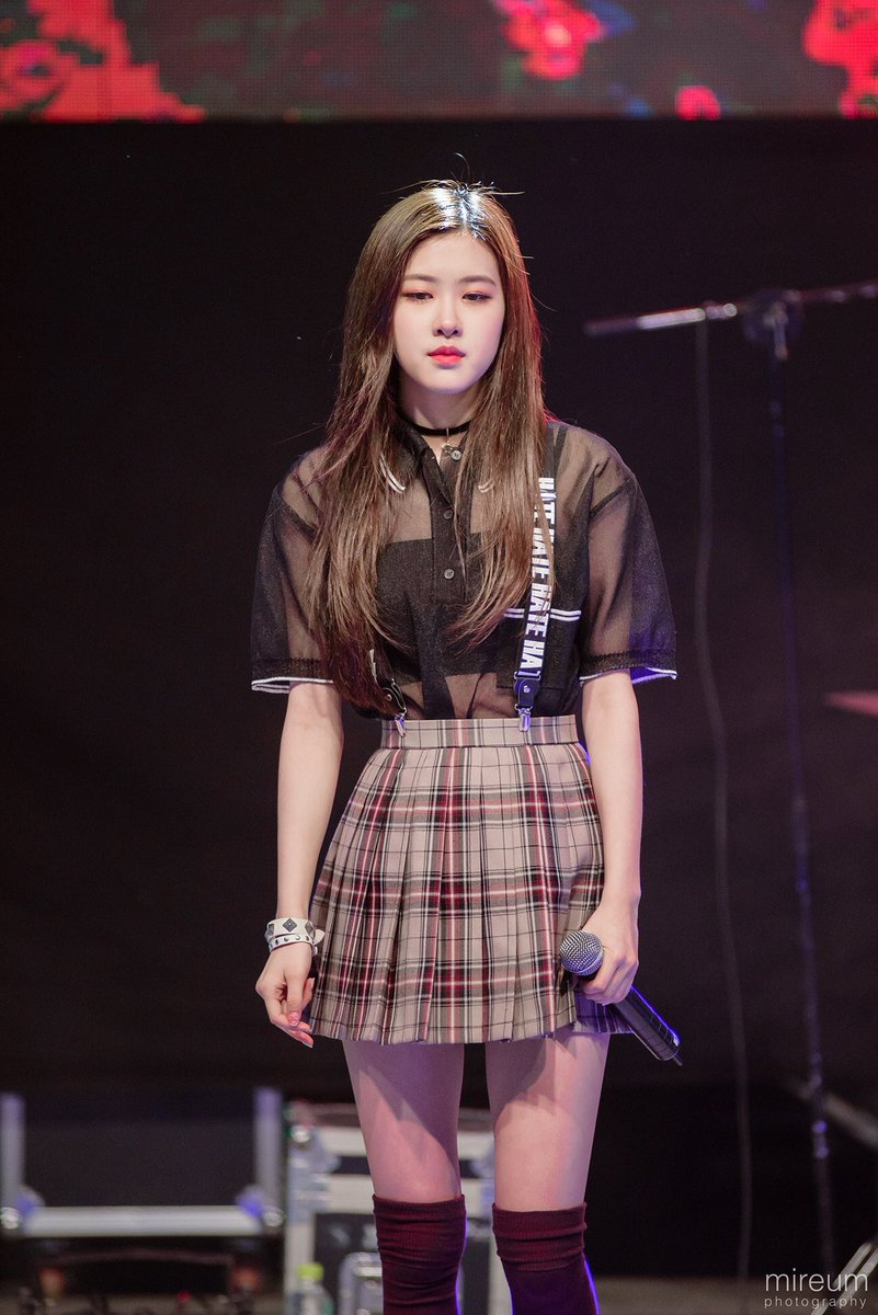 Full Profile Of Blackpink Members Real Name Height Weight And Pictures Channel K Part 2 Blackpink Fashion Blackpink Rose Kpop Outfits