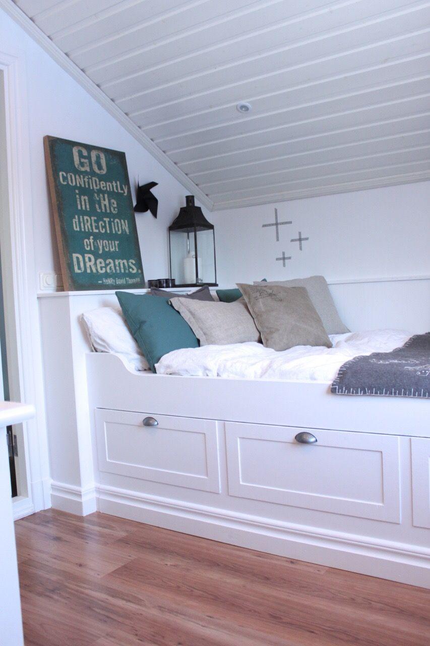Platsbyggd säng home inspiration inside Pinterest Barnrum, Sovrum och Inredning