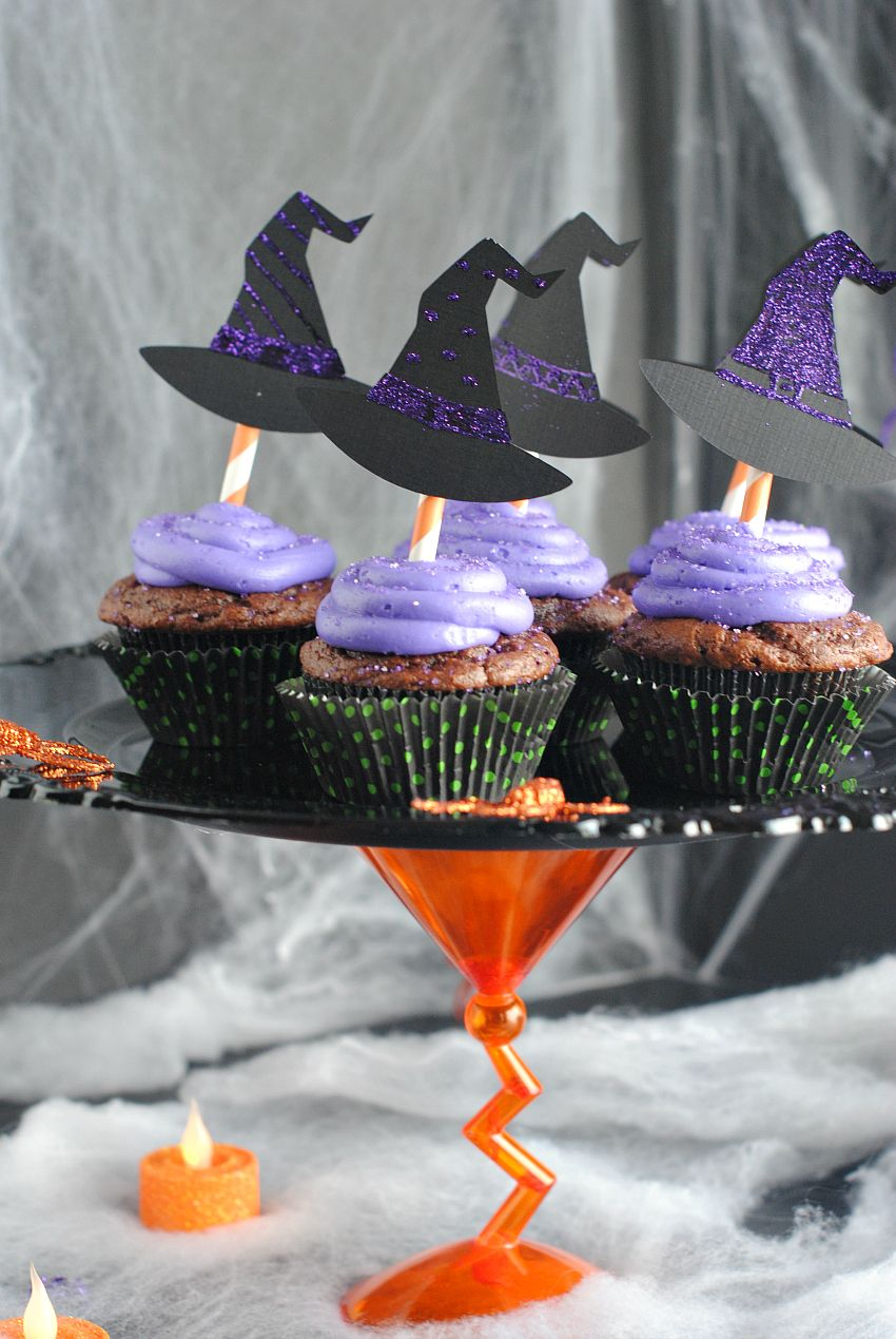 Witch Cupcakes  Halloween Cupcake Stand Cupcake stands, Party - Halloween Cake Decorating Ideas
