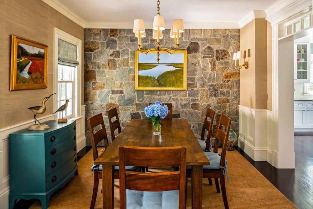 House Tour-A Lovely Cape Cod House in Brewster| #diningroom #diningroomideas #coastaldiningroom #farmhouse #interior #interiordesign #housetour #beachpretty #capecod #livebeachpretty