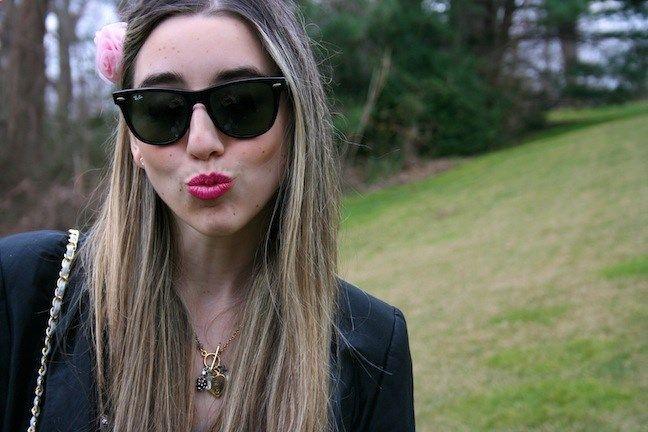 flower in hair   pink lips   vintage chanel   ray ban wayfarer sunglasses