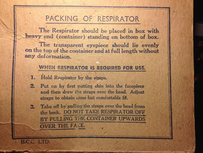 1940/'s-School Curriculum-Historical-Memorabilia-Gas Mask Box /& Label-Child/'s Set