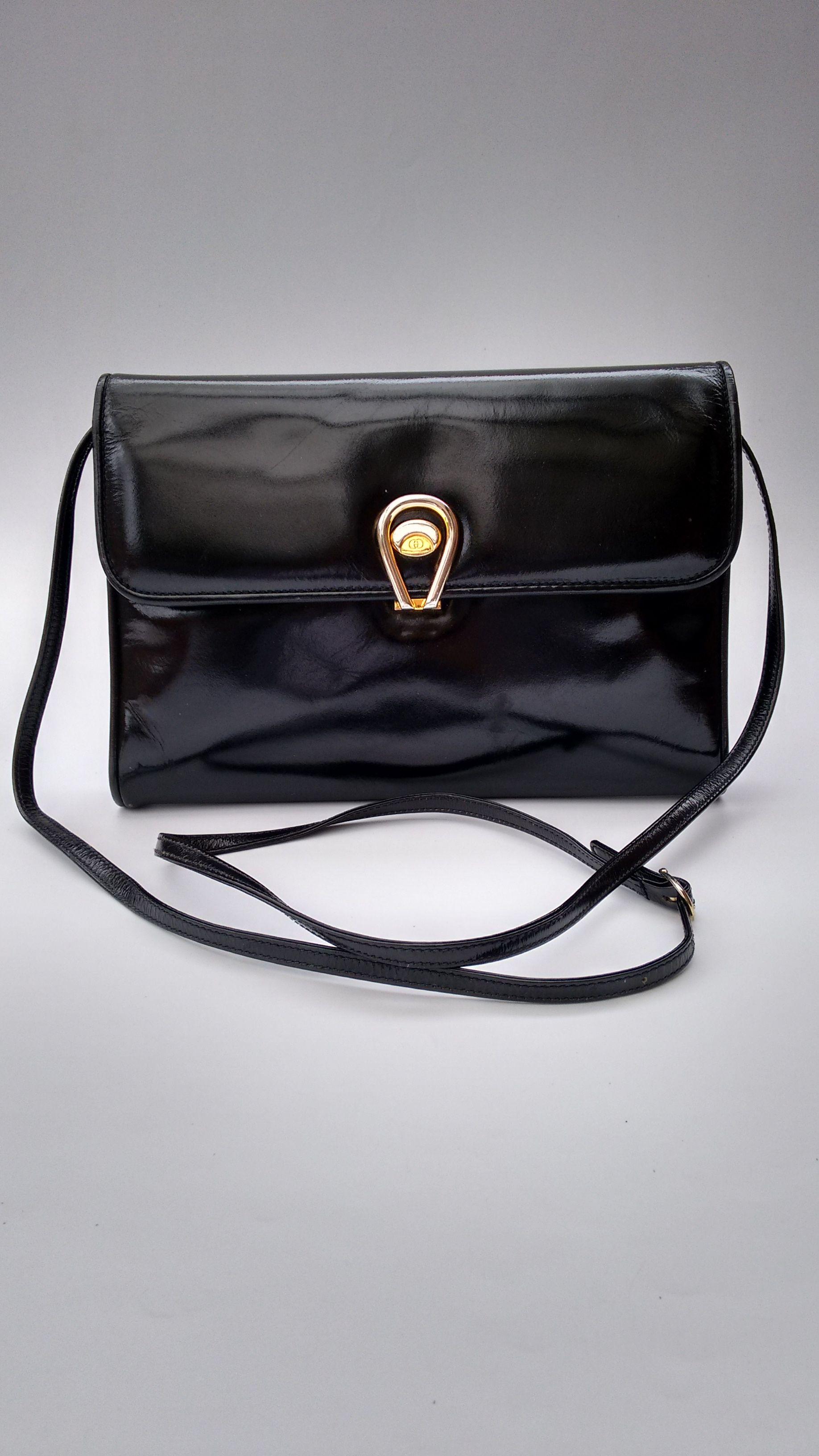 192bd50b2f81c GUCCI Bag. Gucci Vintage Black Patent Leather Shoulder   Crossbody Bag    Clutch. Italian designer purse.