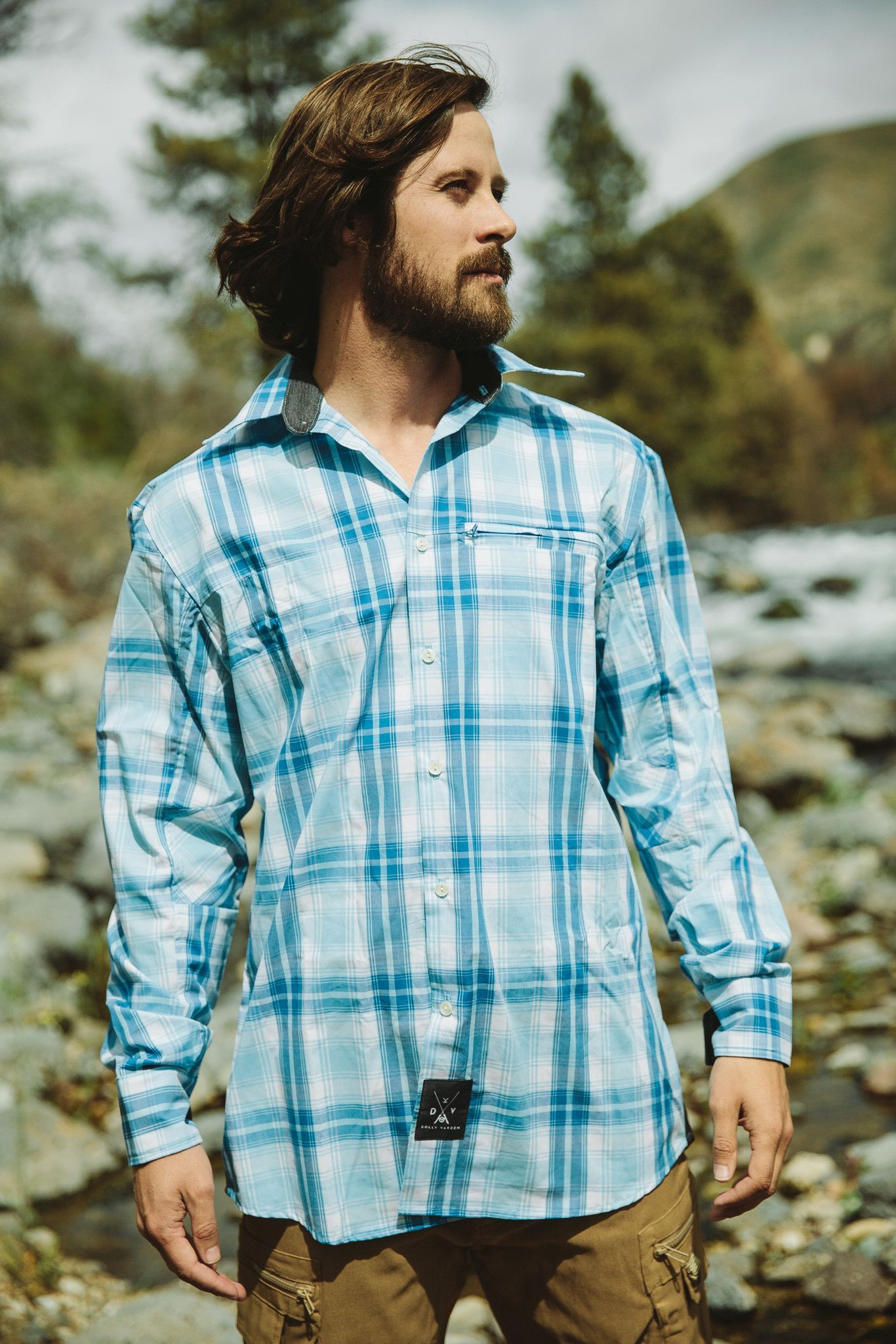 Men's Roaring Fork Shirt - No need to rush home from work to get changed for a weekend in the outdoors, the Roaring Fork's classic look and technical features means you have ability to move from one aspect of your life seamlessly into another.  Hidden zippered pockets perfect for storage. Anti-odor technology will be sure to keep you smelling fresh from dawn till dusk.