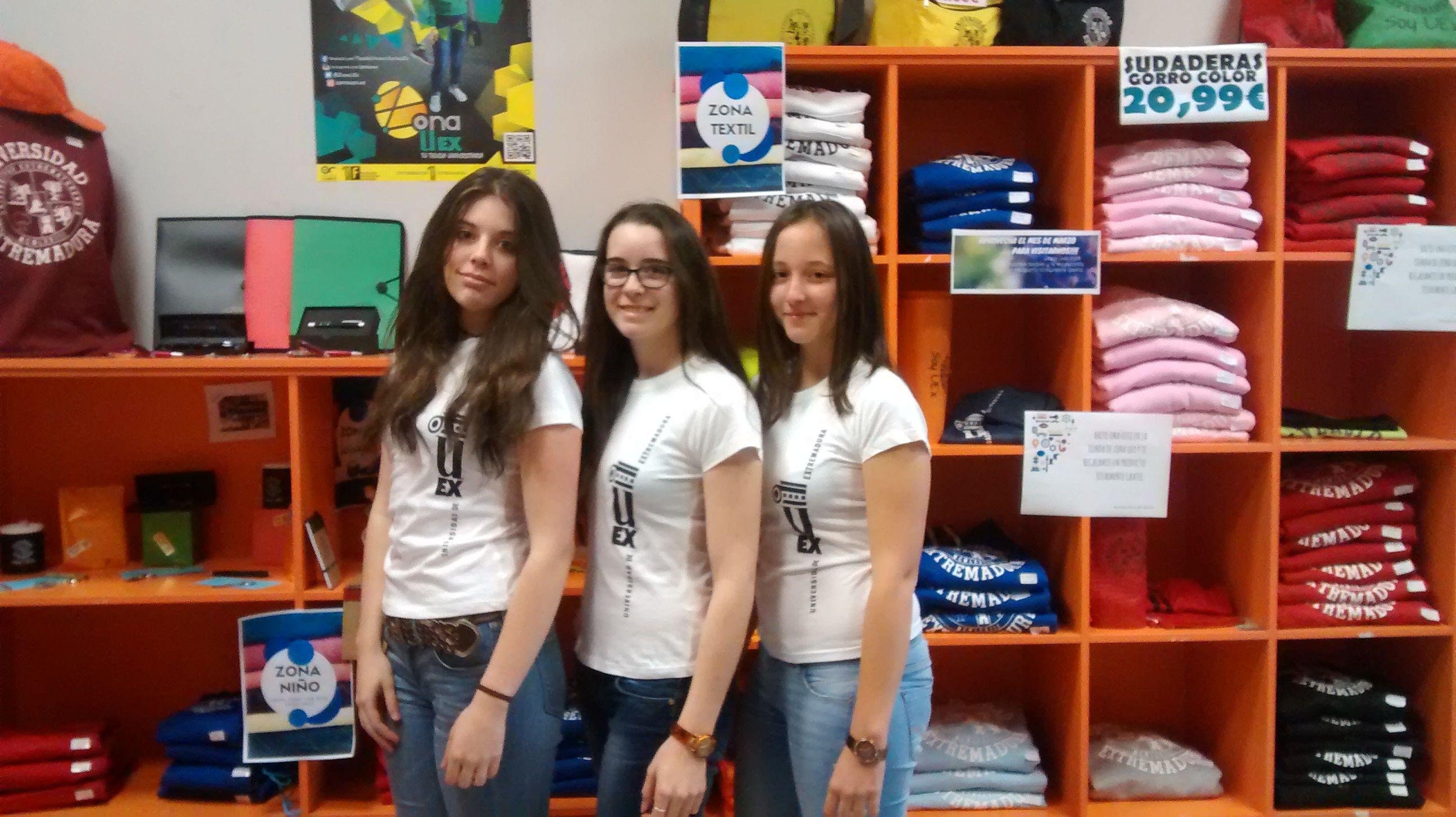 Empezamos el Marte 17 con 3 chicas de blanco.jejejej  Gracias !!