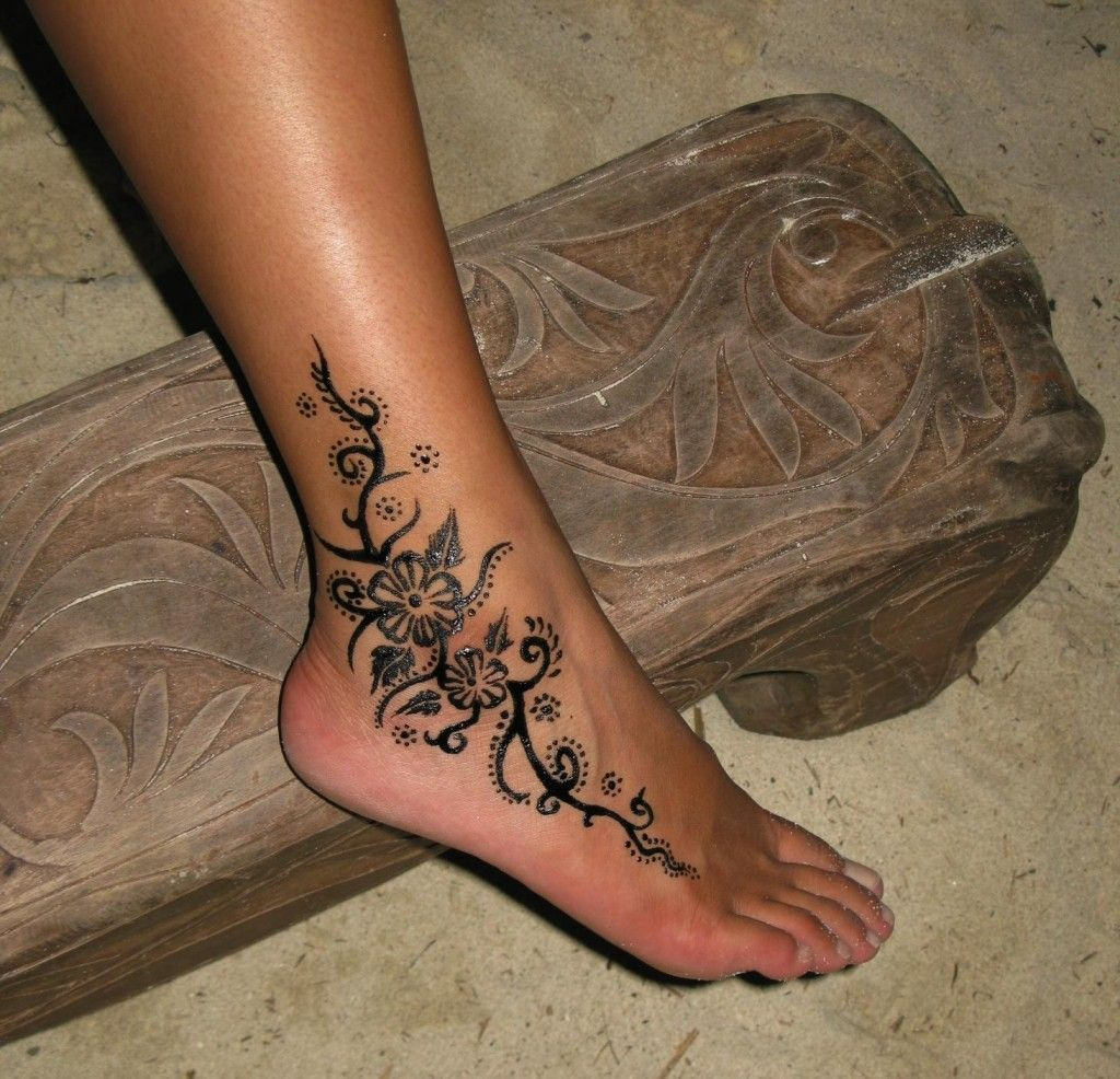15 Cute Foot Tattoo Designs For Girls: 50 Catchy Ankle Tattoo Designs For Girls