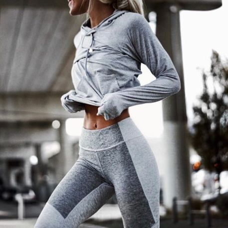 Cute trendy workout outfits for the gym! #workoutoutfits #workout #fitness #gymclothes #fashion