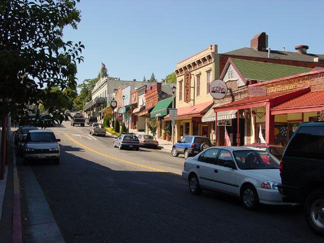 Downtown Grass Valley Ca Has Yummy Cornish Pasties Grass Valley Grass Valley California Nevada City California