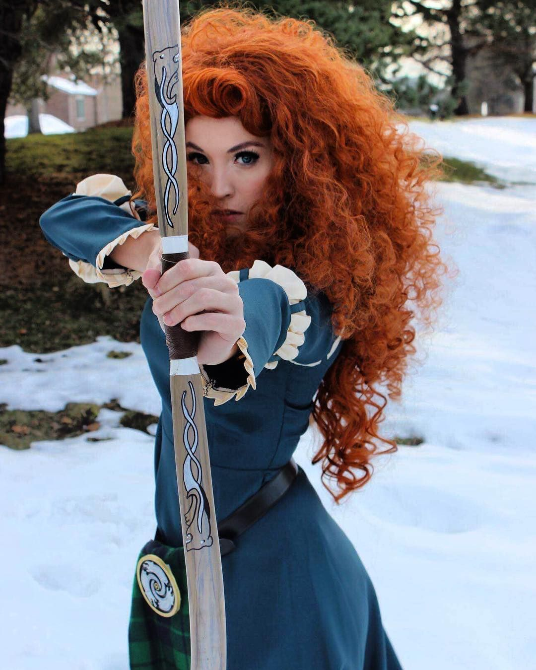 Lots Of Inspiration Diy Makeup Tutorials And All Accessories You Need To Create Your Own Diy Merida Costu Merida Costume Merida Brave Costume Merida Cosplay