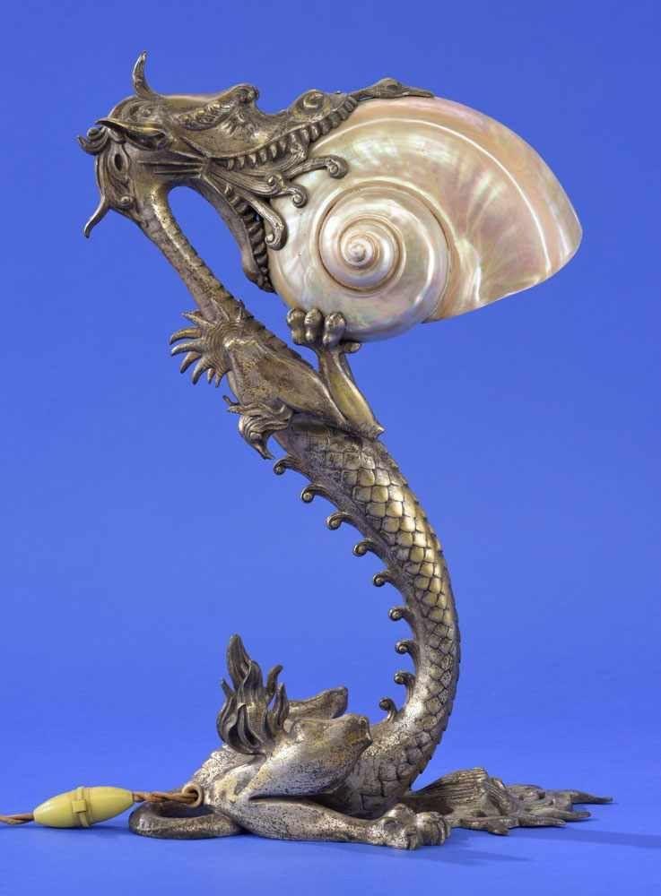 Tischlampe Frankreich, Ende 19. Jhdt. Bronze, versilbert in Form ...