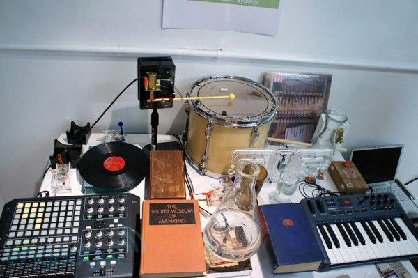 Bricolo mechanical music system hand-on (video)