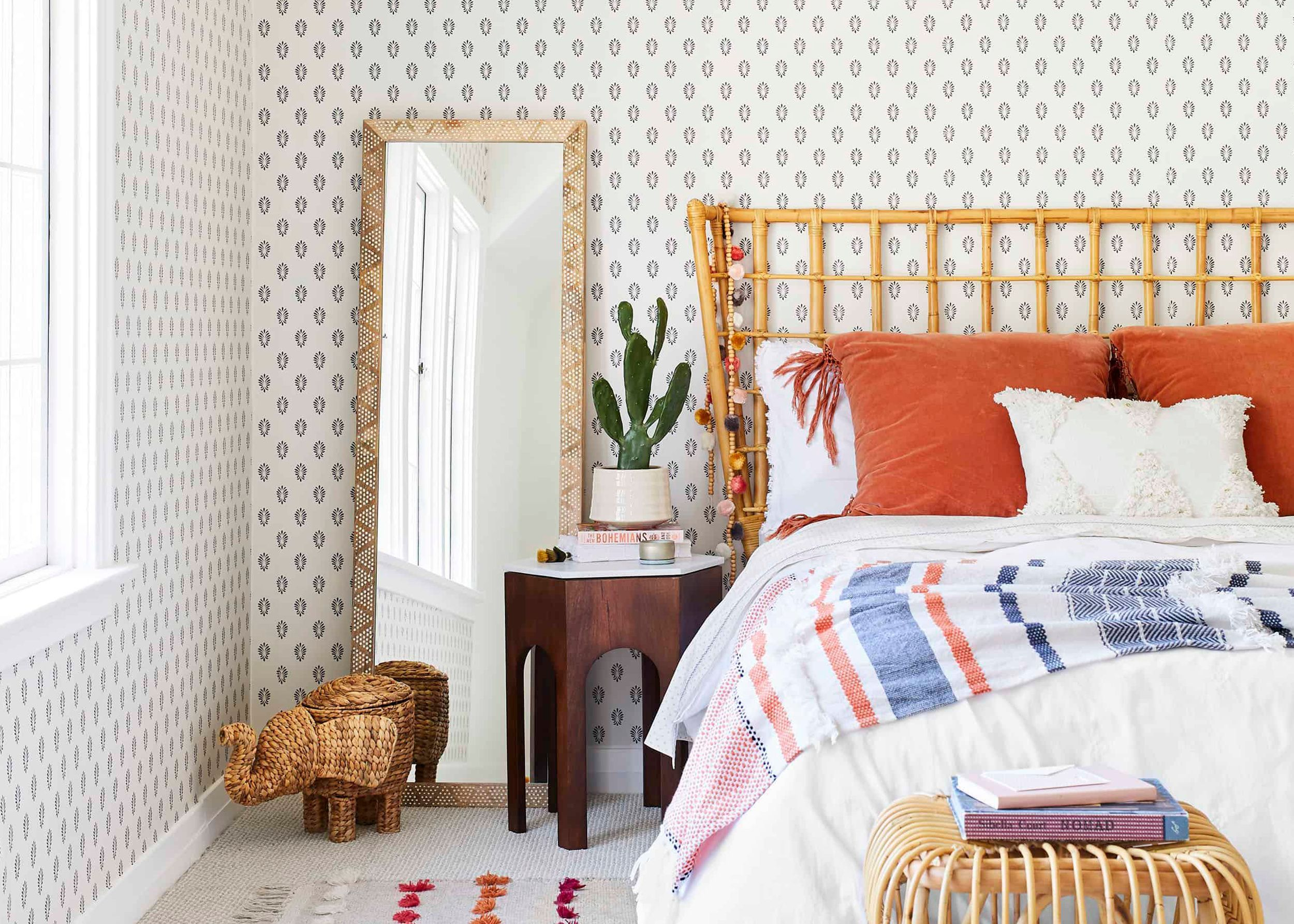 The Best Peel And Stick Wallpapers For Your Rental Apartment Or Really Any Space Help Mallory Choose One For Her Bathroom Emily Henderson Emily Henderson Living Room Guest Bedroom