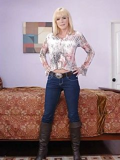 Mature jeans boots fetish gallery
