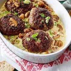 Ofenfrikadellen in Champignon-Lauchzwiebelrahm Rezept | LECKER #meatfood