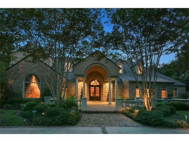 520 Twin River Dr. #MansionMonday