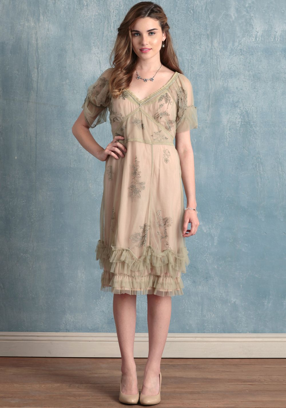 Love this for a bridesmaids dress i choose both pinterest how bout a vintage bridesmaid gown instead ombrellifo Images
