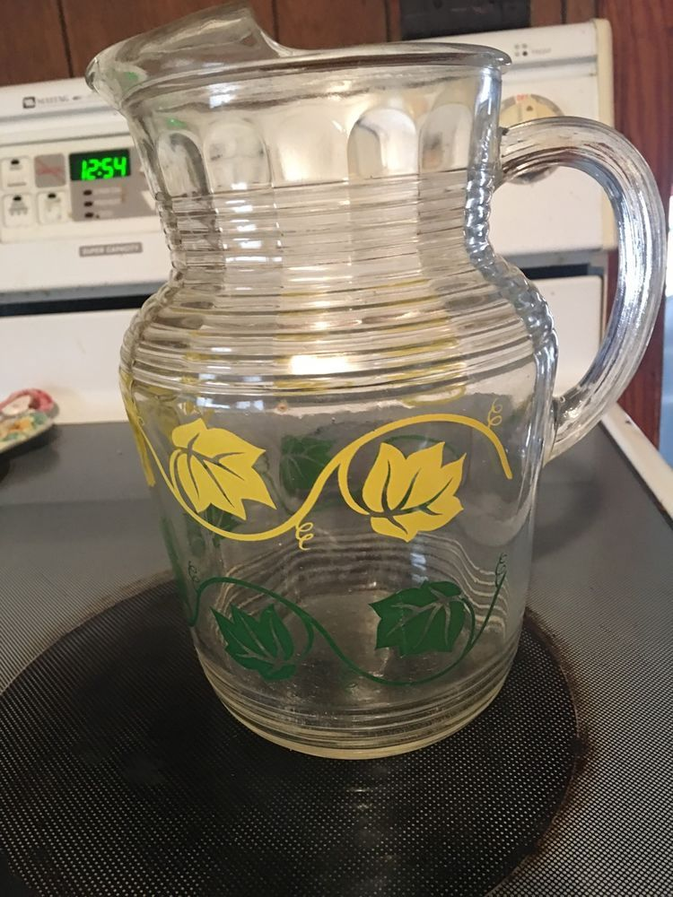 Vintage Retro 2 Qt Glass Pitcher With Green And Yellow Ivy Leaf Pattern Vintage Glassware Glass Pitchers Ivy Leaf