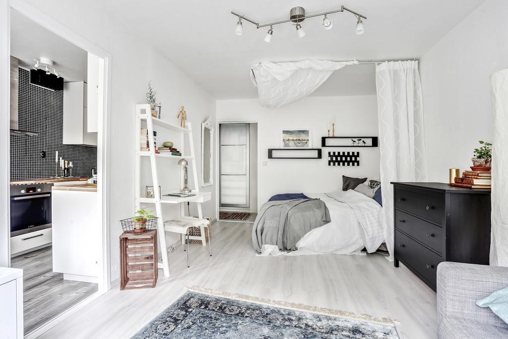 Clean bedroom studio tiny appartment branco apartamentinho