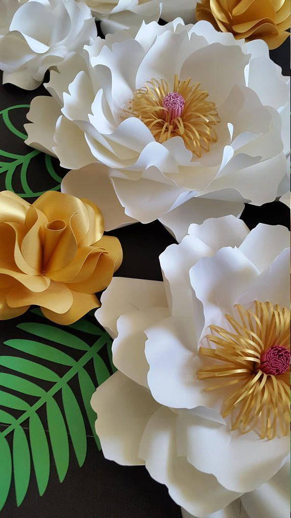 Coolest DIY Paper Flowers For Anyone #paperflowertutorial Coolest DIY Paper Flowers For Anyone #paperflowerswedding