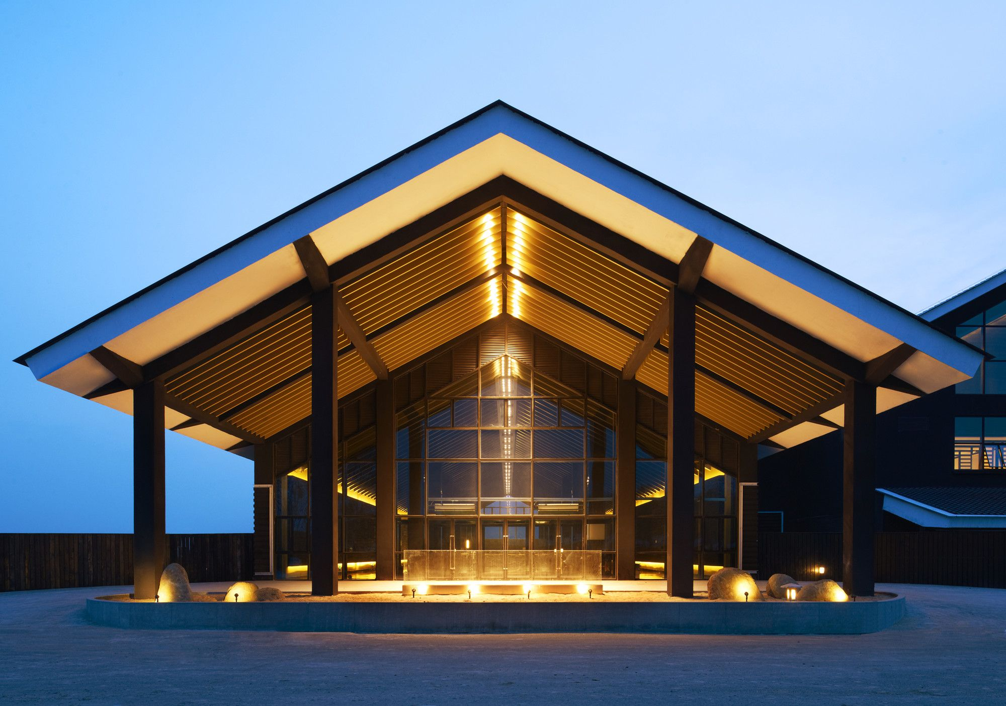 Architects: A-ASTERISK Location: Qiqihar, Heilongjiang, China Architects In Charge: Nakamura Nobuhiro, Qin Yi, Shigeno Yuji, Lai Jie, Wang Wenping, He Zengcai. Area: 11357.0 sqm
