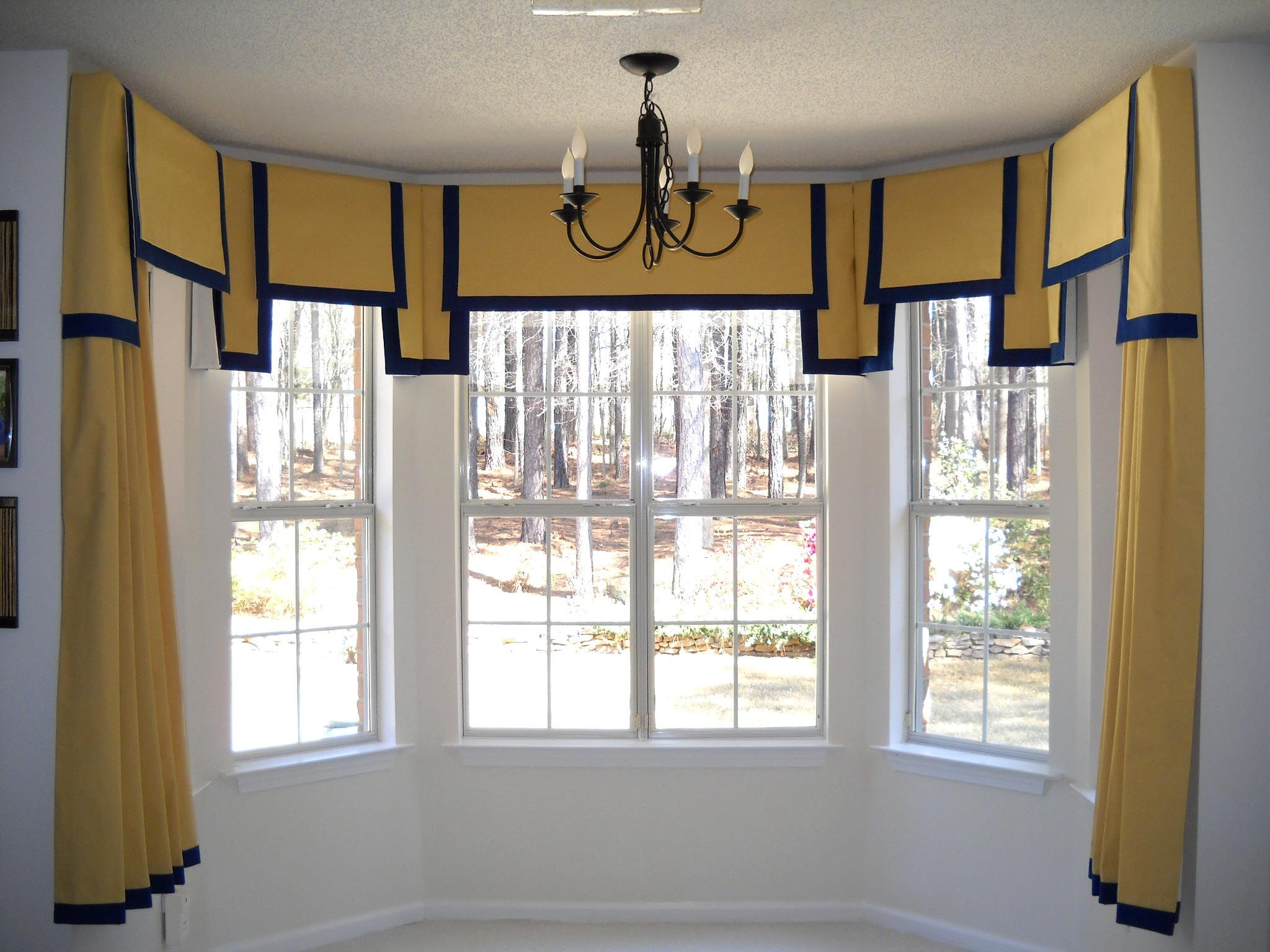 Window treatments for arched windows -  Windowtreatments Double Squares Valance On A 5 Sided Baywindow Panels Underneath With Accent Tall Windowsarched