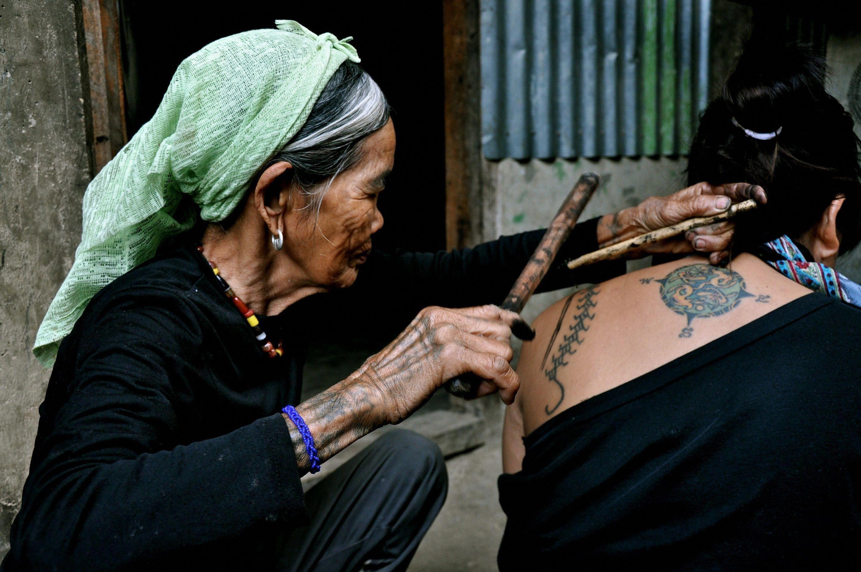 filipino tattoos artist #Tattoosonneck #Filipinotattoos