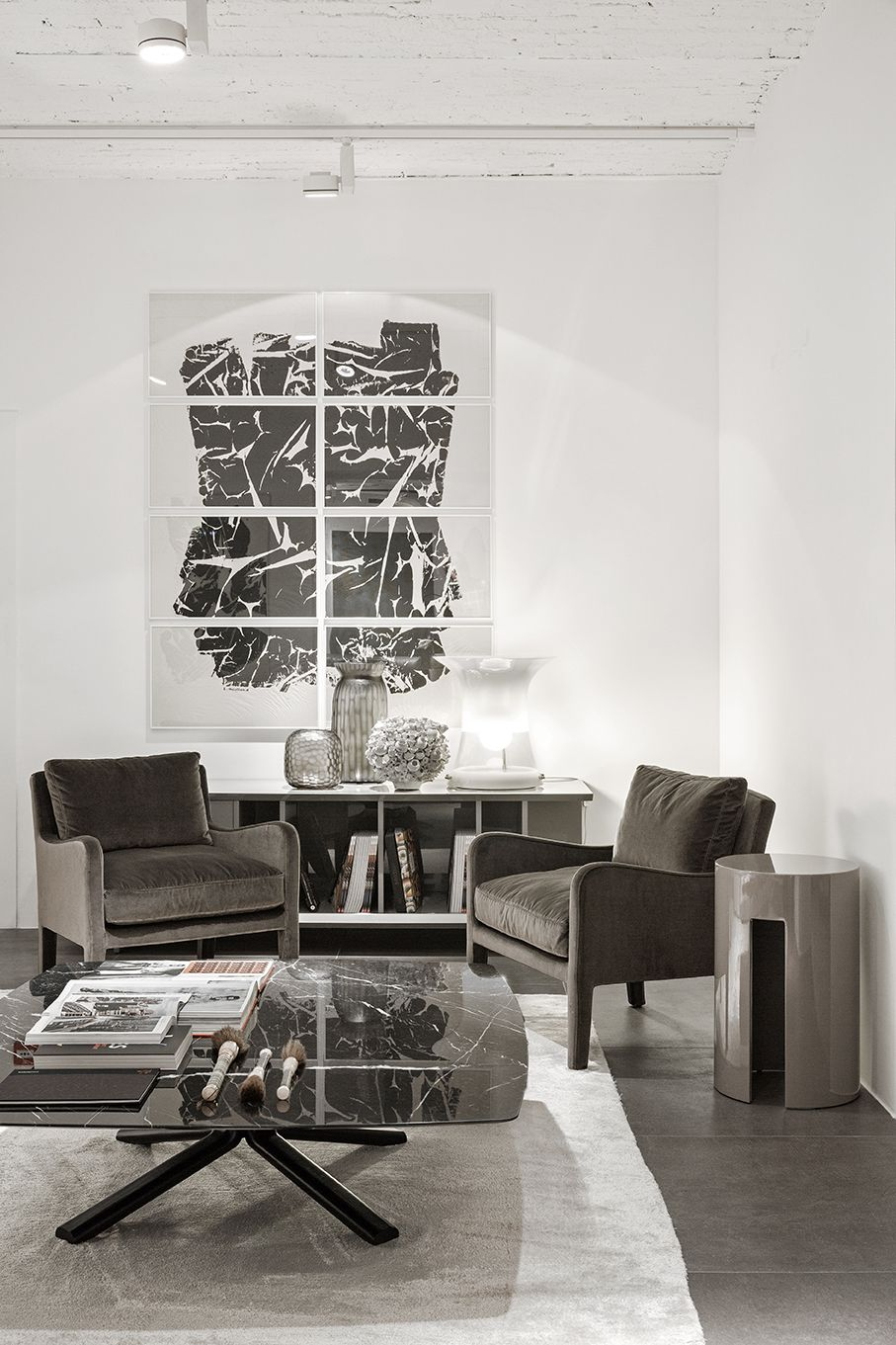 MERIDIANI I FOSTER SOFT small armchairs I MILLER low table I GONG ...