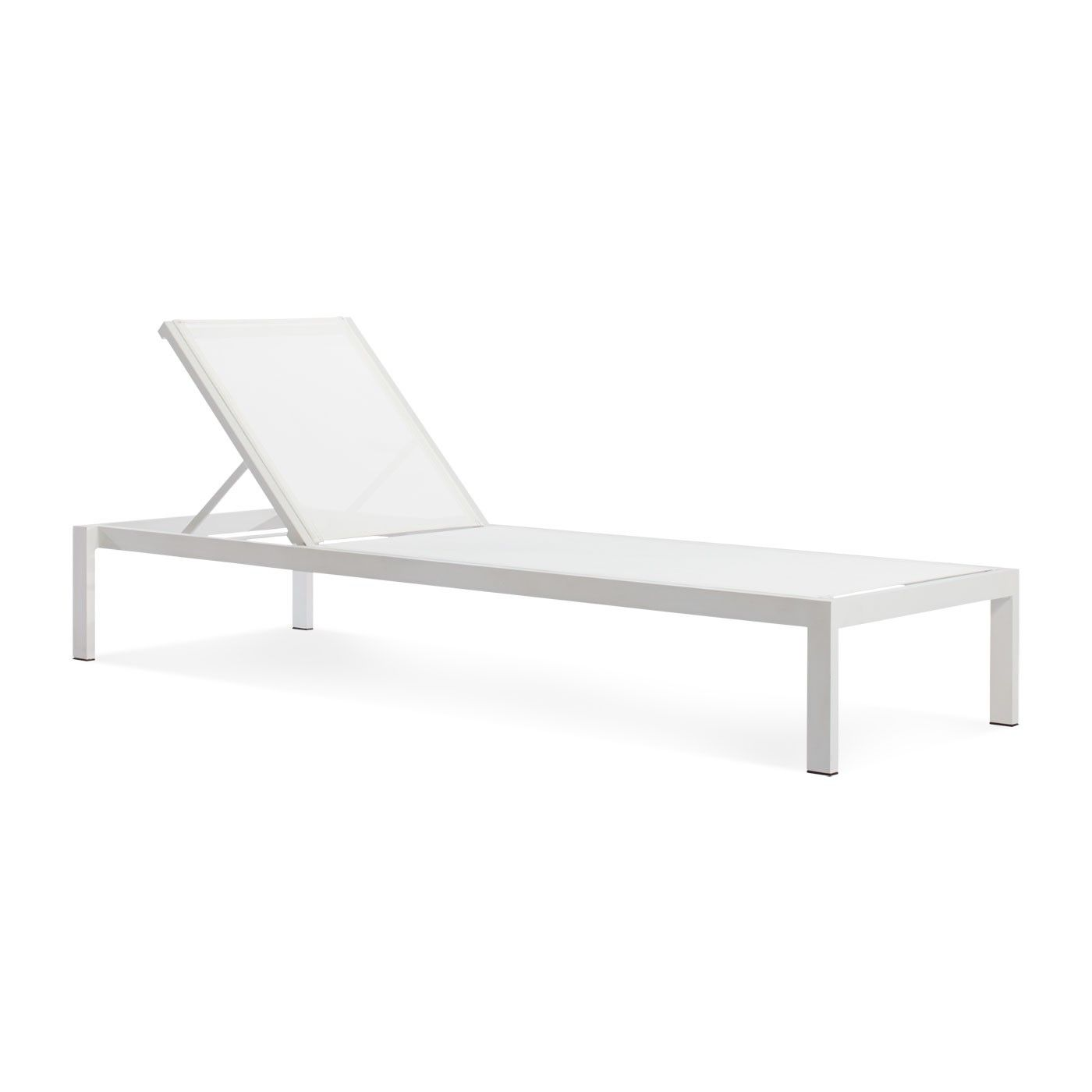 Modern outdoor lounge chair - Skiff Outdoor Sun Lounger Modern Outdoor Furniture Blu Dot