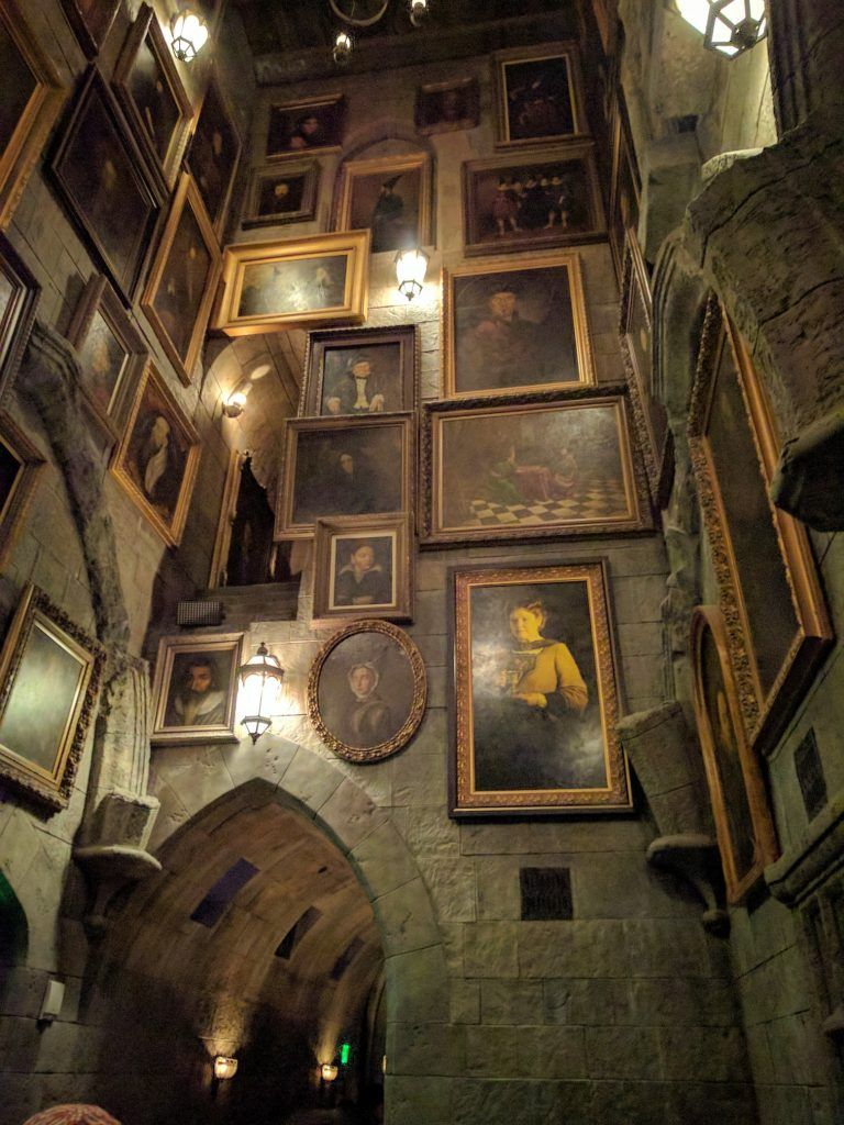 Guide To The Wizarding World Of Harry Potter Universal Studios Hollywood Smart Mouse Travel Harry Potter Aesthetic Harry Potter Wallpaper Harry Potter Universal Studios Hollywood